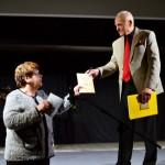 Vtipnou autentickou výpoveďou program okorenila Mária Maľarová, Jozefovi Ivanovi zároveň darovala knihu svojej vnučky, ktorú so záujmom a vďakou rád prijal.